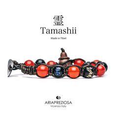 Tamashii - Bracciale originale tibetano realizzato con pietre naturali Agata Rosso Fuoco e legno orientale autentico con SIMBOLI MANTRA incisi a mano