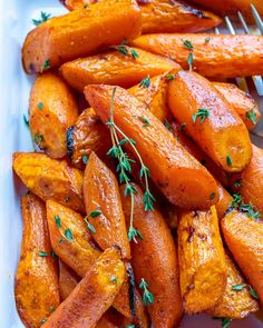 Easy Roasted Carrots for a Healthy Side Dish Idea! Easy Roasted Carrots for a Healthy Side Dish Idea! Healthy Sides, Healthy Side Dishes, Side Dishes Easy, Healthy Food, Healthy Eating, Carrot Dishes, Carrot Recipes, Carrots Healthy, Food Crush