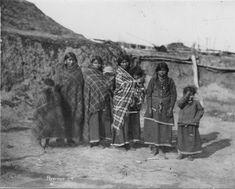 Pawnee women near Loup Fork village, Nebraska, between 1868 and 1875 Native American Photos, Native American Women, Native American History, Native American Indians, American Indian Wars, American Pride, Henry Jackson, Native Indian, First Nations
