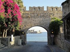 Car Hire Rhodes Airport - Rent A Car in Rhodes and discover the beauties of this majestic Greek Island Old Town Rhodes, Places To See, Places Ive Been, Car Rental, Vacation Spots, Travel Pictures, Greece, Beautiful Places, Around The Worlds