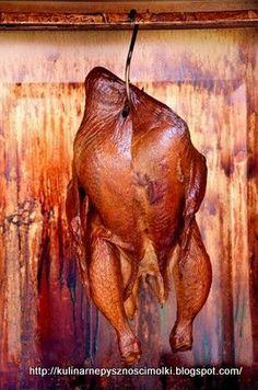 Lato sprzyja spotkaniom towarzyskim urządzanym w ogrodzie przy grillu.Dziś mam alternatywę na takie dania, a mianowicie potrawy z wędzarni.P... Bbq Grill, Grilling, Wine Recipes, Cooking Recipes, Curing Salt, Golden Chicken, Smoke Bbq, Cold Cuts, How To Make Sausage