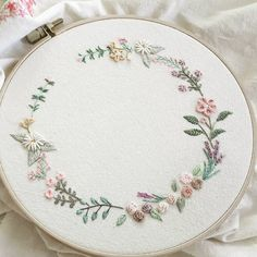 Embroidery Designs Sayings what Embroidery Stitches Photoshop. Embroidery Ki Definition next Embroidery Patterns Diy Embroidery Designs, Hand Embroidery Stitches, Learn Embroidery, Embroidery Hoop Art, Ribbon Embroidery, Cross Stitch Embroidery, Applique Designs, Embroidery Online, Embroidery Tattoo