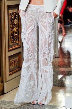 FAB sheer lace pants and with POCKETS! Smoking Noir, Bohemian Style, Boho Chic, Boho Fashion, Womens Fashion, Fashion Design, Milan Fashion, Do It Yourself Fashion, Mode Boho