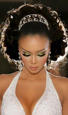 Beautiful dramatic green eye on darker skin | Wedding & Bridal Makeup http://www.mybigdaycompany.com/weddings.html http://girlsmod.persiangig.com/2010%20-1/make%20up/arab6/