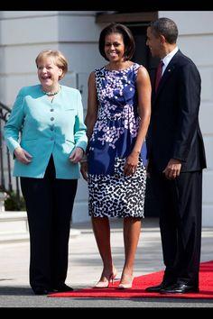 Michelle Obama Barack Obama Photos Photos: Obama Hosts German Chancellor Angela Merkel For Official Visit To Washington Michelle Obama Fashion, Barack And Michelle, Michelle Obama Birthday, Barack Obama Family, Obama President, Obama Photos, American First Ladies, First Black President, Red Carpet Dresses