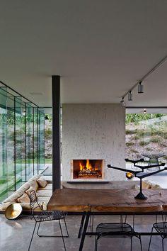 Too minimal or perfectly functional? - Waiheke Island Retreat - Fearon Hay Architects