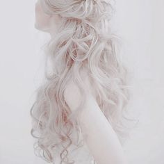 """""""The young beauty, white and pure."""" """"The young beauty, white and pure. Daenerys Targaryen Aesthetic, Luna Lovegood Aesthetic, Pale Aesthetic, Halloween Kostüm, White Hair, White Blonde, Lany, Character Inspiration, Angeles"""