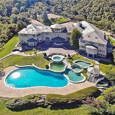 Novato Ca Usa - Find your dream luxury home in Novato, California, United States! JamesEdition features the best luxury properties and homes worldwide. Mega Mansions, Mansions Homes, Fancy Houses, Big Houses, Dream Home Design, My Dream Home, Dream Big, Dream Mansion, Luxury Homes Dream Houses