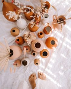 Diy Projects With Books, Cool Diy Projects, Really Good Stuff, Cool Stuff, Terracotta, Do It Yourself Home, Green Wedding Shoes, Floral Wedding, Diy Home Decor
