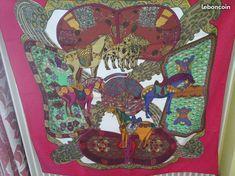 Carré de la marque HERMES, 100 % soie, avec l étiquette de composition,  dimension 90cmX90cm, thème L Art des Steppes, avec les bords roulottés à la  main, ... 3424cd71116