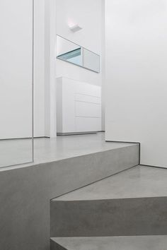 Better a microcement floor or a resin coating? Wooden Kitchen, Ikea Kitchen, Victorian Terrace Interior, External Staircase, Concrete Coatings, Concrete Interiors, Patio Wall, Resin Coating, Modern Loft
