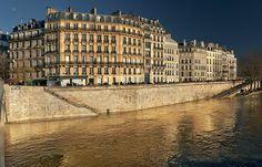 Quai d'Orleans, seen from pont Saint-Louis on ile de la Cite. During de French Revolution, ile Saint-Louis was named, Paris_ France
