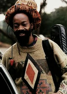 Earl Chinne Smith. Reggae Artists, The Wailers, African Artists, Music Images, Rocker Style, Reggae Music, Dance Hall, African History, Bob Marley