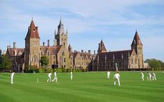 This building resembles the private school, where Albert's suffers a fatal accident. Charterhouse School, England Private School Fees, Boarding Schools In England, Boarding School Aesthetic, Medieval, British Schools, Independent School, Old Money, Prep School, School Building