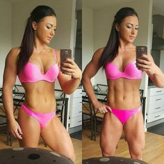 """""""➡ @lauraleeson_wbffpro ・・・ Have a great weekend everyone!  #selfiesaturday   #saturday #weekend #lifestyle #flex #workout #fitness #abs #girlsthatlift…"""""""
