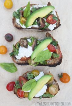 """Vegan """"Cottage Cheese"""" Bruschetta // These Bruschettas are the easiest way to serve something fancy and delicious. Super simple to make but an impressive appetizer nonetheless. You can even play around with the garnishing. Although, the tomatoes are must have. 