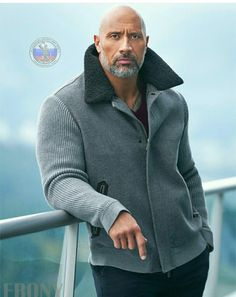 Celebrity Best Looks: The Rock - Dwayne Johnson Styles The Rock Dwayne Johnson, Rock Johnson, Dwayne The Rock, Mode Masculine, Fashion Mode, Mens Fashion, Bald Men Style, Look Man, Poses References