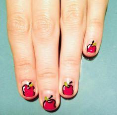 DIY Sweet poisoned apples Nail Art DIY Nails Art
