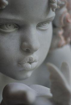 A arte não tem explicação mesmo em um tom expressa tanto que nos aumenta a sentir belezas em contemplar. . .  ✿ SolHolme ✿