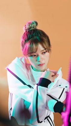 twice ♡ jeongyeon Nayeon, Kpop Girl Groups, Korean Girl Groups, Kpop Girls, J Pop, Twice Jungyeon, Twice Kpop, Suwon, Fandom
