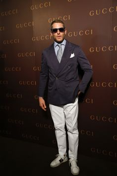 Lapo Elkann attends GUCCI's new store opening at IAPM Mall on May 2014 in Shanghai, China. Street Style Boy, David Beckham Style, Lapo Elkann, Casual Wear For Men, Tailored Suits, Men Street, Gentleman Style, Italian Style, Stylish Men