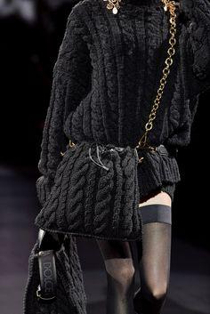 Dolce & Gabbana | Borse moda Autunno Inverno 2020 2021, i modelli must have | Vogue Italia Knitwear Fashion, Knit Fashion, Look Fashion, Fashion Bags, Winter Fashion, Fashion Show, Fashion Outfits, Stylish Outfits, Fashion Poses