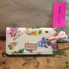 Floral Betsey Johnson Wallet/Wristlet Floral Betsey Johnson Wallet/Wristlet Betsey Johnson Bags Clutches & Wristlets