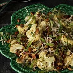 All the cabbage family vegetables are now in season. Roasted cauliflower has a smokey sweet flavour, delicious with crunchy, chopped toasted almonds and Italian cheese. Roasted Cauliflower Salad, Best Vegetarian Recipes, Almond Recipes, Veggie Dishes, Meatless Monday, Soup And Salad, Italian Cheese, Salad Recipes, Entrees