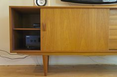 Beautiful Mid-century Modern Teak Credenza / Buffet / Sideboard