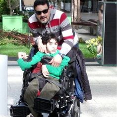 أخبار الأردن هذا اليوم بالصور...فنان مصري برفقة ابنه من ذوي الاحتياجات الخاصة للمرة الأولى