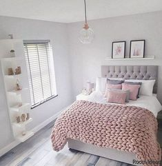 55 pretty pink bedroom ideas for your lovely daughter 11 - Best Warm Home Decor ideas Bedroom Decor For Teen Girls, Cute Bedroom Ideas, Room Ideas Bedroom, Home Decor Bedroom, Teenage Room Decor, Girls Bedroom Colors, Bedroom Interiors, Bedroom Inspo, Entryway Decor