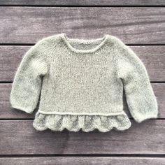 Knitting for Olive - Strikkeopskrifter til dem, du holder af Knitting For Kids, Baby Knitting Patterns, Crochet For Kids, Crochet Baby, Knit Crochet, Baby Sweaters, Girls Sweaters, Baby Outfits, Baby Barn