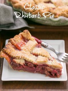 Classic Rhubarb Pie with a beautiful lattice crust and packed full of rhubarb #pie #rhubarb #springdessert #latticecrust