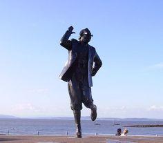 Statue des Komikers Eric Morecambe am Strand von Morecambe