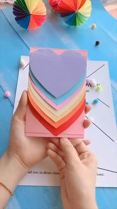 Cool Paper Crafts, Paper Crafts Origami, Diy Crafts For Gifts, Diy Home Crafts, Diy Arts And Crafts, Creative Crafts, Diy Origami Cards, Neon Crafts, Craft Presents