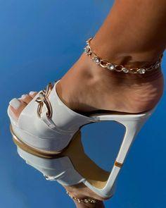 Hot High Heels, Sexy Heels, Stiletto Heels, Female Feet, Shoe Art, Pumps, Ankle, Pure Products, Legs