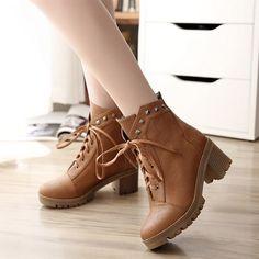 Women's Pure Color Low Heel Thick Heel Shoelace Rivet Short Martin Boots