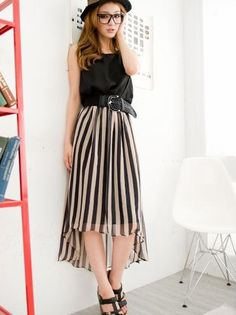 #Mullet skirt in action  Mullet Skirts #2dayslook #new style #MulletSkirtsfashion  www.2dayslook.com