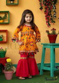 Kids Summer Dresses, Wedding Dresses For Kids, Baby Girl Party Dresses, Dresses Kids Girl, Pakistani Kids Dresses, Pakistani Dress Design, Kids Dress Wear, Kids Gown, Kids Dressy Clothes