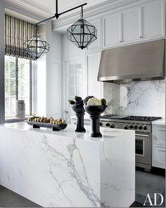 Kitchen Interior Design White Carrara Marble Slab for Waterfall Island /Wall Kitchen Island Home Decor Kitchen, Interior Design Kitchen, New Kitchen, Kitchen White, Kitchen Designs, Decorating Kitchen, White Kitchens, Country Kitchen, Kitchen Ideas