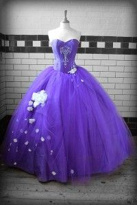 Im not into colorful wedding dresses but this one might have changed mind...