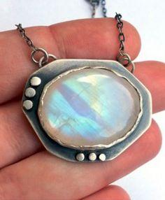 Jewelry | Jewellery | ジュエリー | Bijoux | Gioielli | Joyas | Art | Arte | Création Artistique | Precious Metals | Jewels | Settings | Textures | Large silver moonstone necklace #jewellery