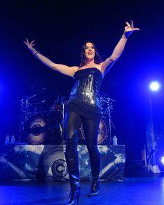 Floor Jansen Photos - Floor Jansen of Nightwish performs at the City National Grove of Anaheim on October 2012 in Anaheim, California. - Nightwish Performs At The City National Grove Of Anaheim Heavy Metal Girl, City National, Women Of Rock, Power Metal, Female Singers, Rock Music, Other People, Musicals, Beautiful Women