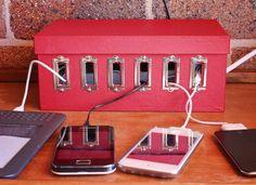 diy-recharge-station- from an old shoe box Genius Ideas, Ideas Para Organizar, Deco Originale, Cable Organizer, Diy Videos, Shoe Box, Organization Hacks, Organizing Paperwork, Bedroom Organization
