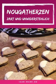 Recipe Nougat Hearts - Tender nougat cookies with white chocolate- Rezept Nougatherzen – Zarte Nougat Plätzchen mit weißer Schokolade This nougat cookie recipe is incredibly tasty …. Cheesecake Recipes, Cookie Recipes, Dessert Recipes, Food Cakes, Nougat Cookie Recipe, Healthy Desserts, Delicious Desserts, Chocolate Navidad, Chocolate Cookies