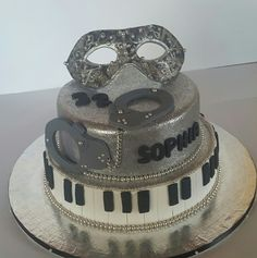 50 Shades of Grey cake 50 Shades Of Grey, Baked Goods, Baking, Heart, Cake, Desserts, Food, Pastel, Deserts