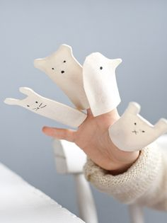 Little Finger puppets diy ♡ Projects For Kids, Diy For Kids, Diy And Crafts, Sewing Projects, Crafts For Kids, Diy Projects, Craft Kids, Baby Toys, Kids Toys