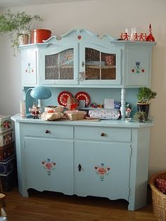 #shabby #hutch ~ wonderful colors!