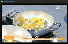 Ogni frutta o verdura che compriamo ha un volto e un nome del nostro territorio. Ho preparato in diretta una marmellata, una mostarda e un succo di arancia, come da un chilo di arance si risparmia più di 10,00 euro. Con un chilo di arance dal costo più o meno di euro 1,57 si prepara con le bucce una marmellata di arance, con il bianco dell'arancia si prepara una mostarda di arance e cipolle, e con il succo un succo di arancia al 100%. La cucina del recupero.