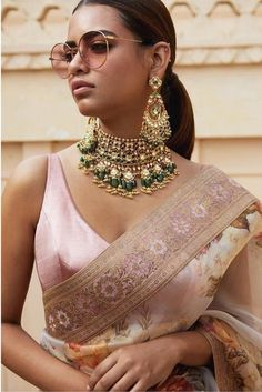 2019 Destination Wedding Lehengas, Sarees & Anarkalis Love this pink embroidered Sabyasachi floral organza saree. Blouse Back Neck Designs, Bridal Blouse Designs, Saree Blouse Designs, Sari Blouse, Blouse Patterns, Sabyasachi Sarees, Lehenga Choli, Anarkali, Bollywood Saree